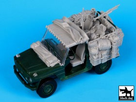 T35058 Mercedes Wolf   Afghanistan accessories set