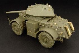HLU35050 STAGHOUND Mk.III